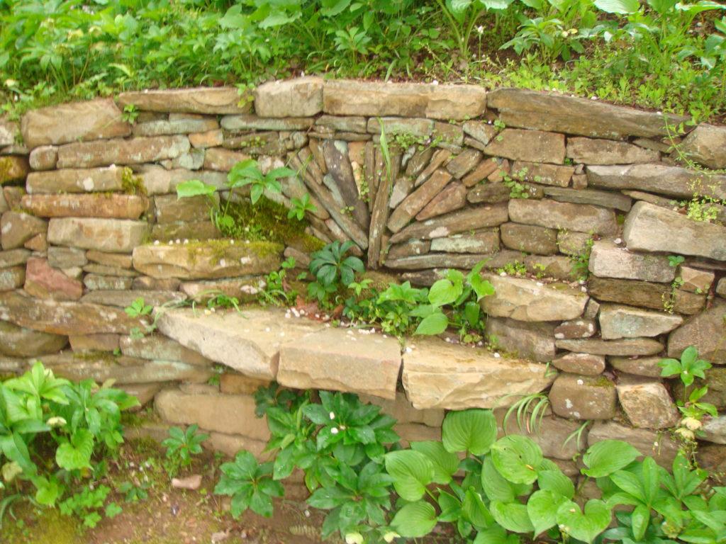 stone wall seating-garden seating-landscape designer-Henderson County-Hendersonville